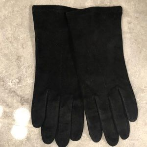 Genuine leather/suede woman's black gloves, lined